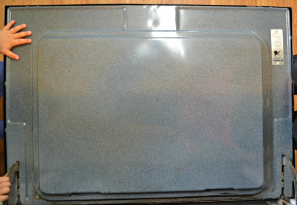 Get a clean oven without chemicals in 10 minutes morgan manages mommyhood - Clean oven tray less minute ...
