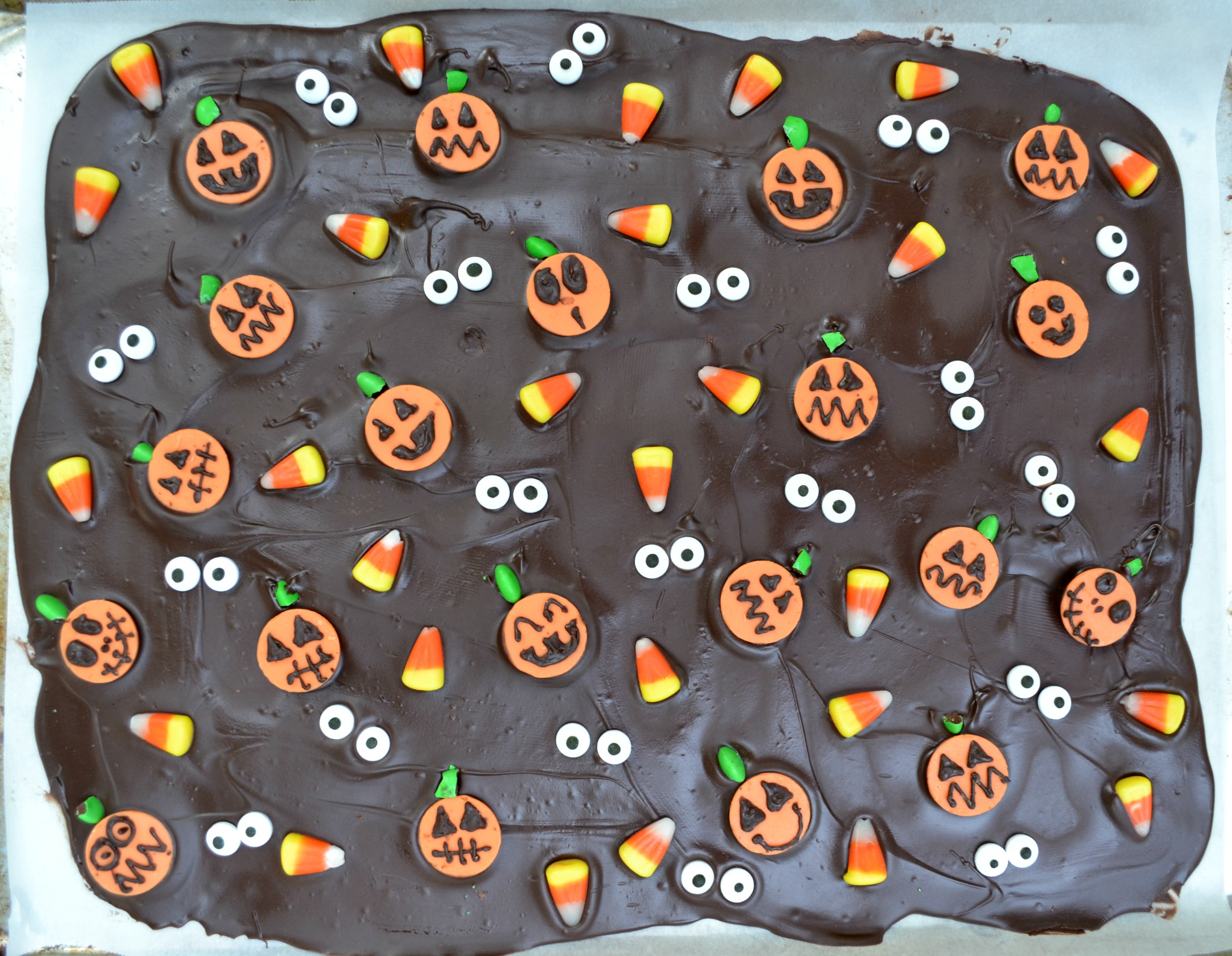 halloween bark setting and waiting to cool