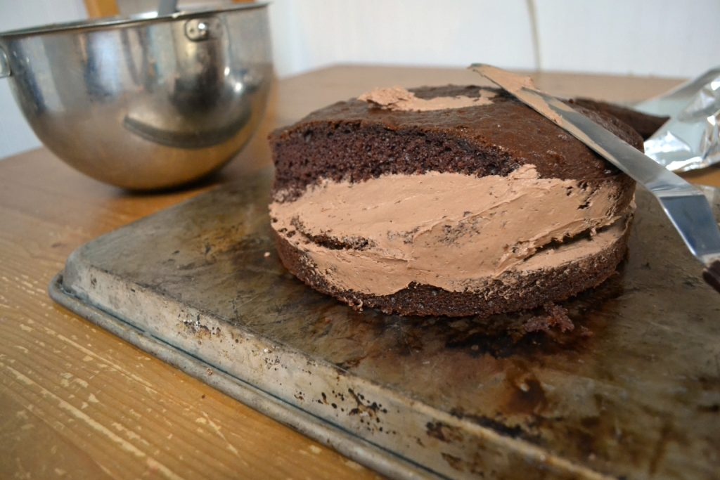 Frost Cake Without Spatula