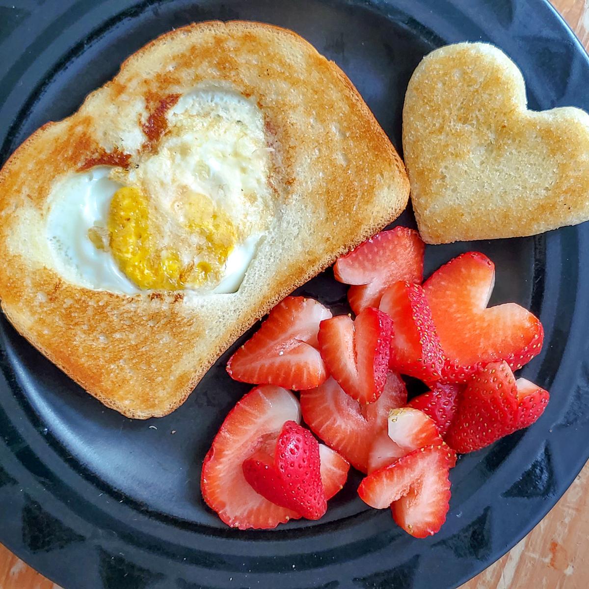 heart shaped eggs breakfast